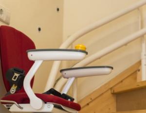 mobilit t wahren mit dem treppenlift gebraucht regaltechnik. Black Bedroom Furniture Sets. Home Design Ideas